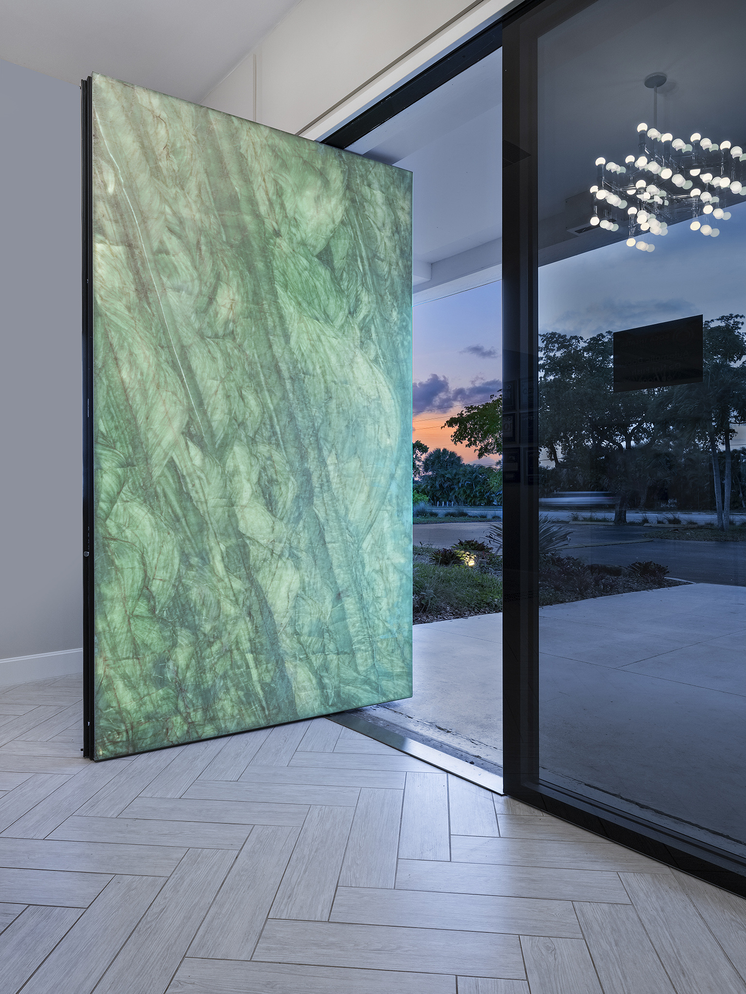 Architects Here S What You Need To Know About Pivot Doors Fbs